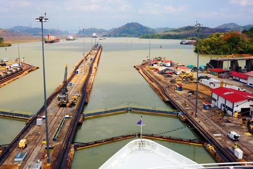 Først lock Panama Canal, Panama
