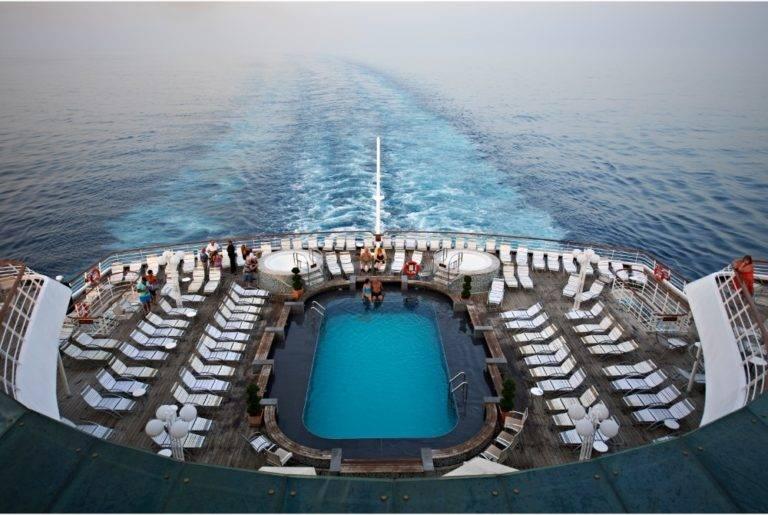 Balmoral-Fred.-Olsen-Cruise-Lines-basseng-1-1