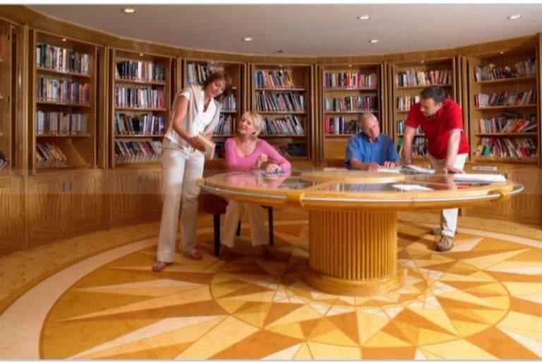Balmoral-Fred.-Olsen-cruise-Lines-bibliotek-1