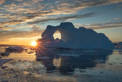 Disko Bay med midnattsol, Grønland