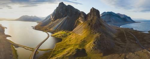 Naturskjønnvei med fjell, Island
