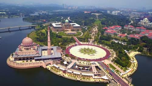 Putra Mosque, Kuala Lumpur, Malaysia