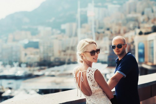 Ungt par, Monaco