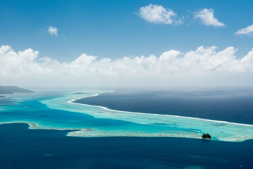 Blått og turkist vann, Raiatea, French Polynesia