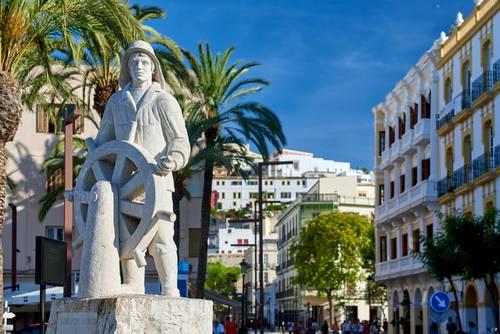 Skulptur i Ibiza sentrum, Balearene, Spania